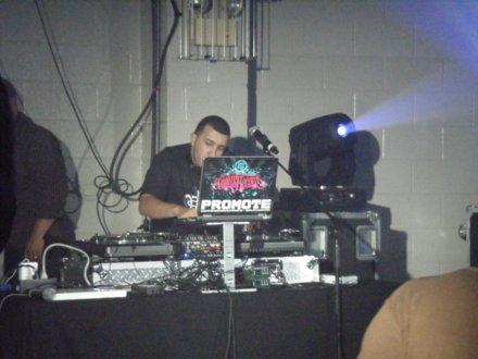 DJ Promote On The Wheels Of Steel